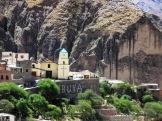 Vista de la parte céntrica de Iruya, con la parroquia al centro. (Foto: Pablo Harvey)