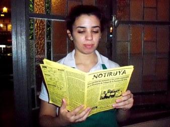 Ayelén, moza en Starbucks Café, con NOTIRUYA; en Buenos Aires