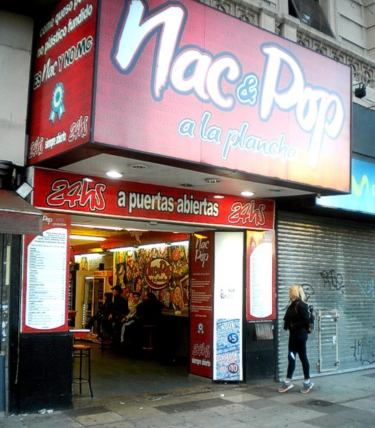Uno de los locales de la cadena de comidas rápidas Nac&Pop
