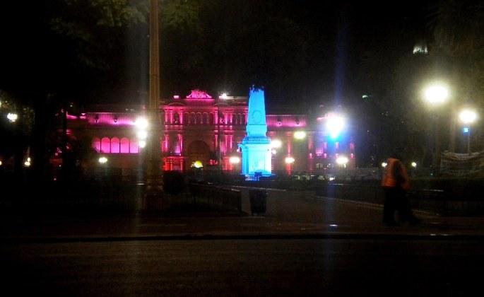 Y más cerca, la Casa Rosada