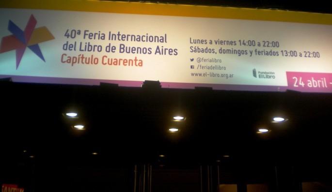 Cartel anunciando la 40ma Feria Internacional del Libro, en Buenos Aires
