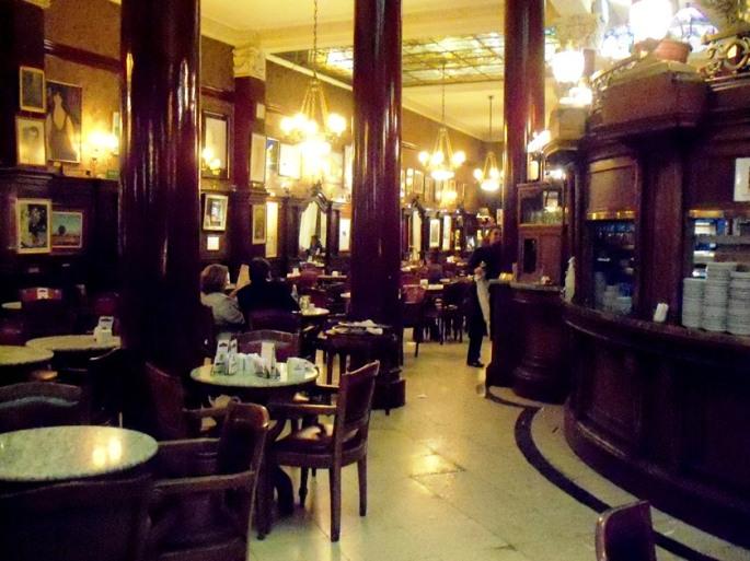 El Café Tortoni, una tradición en Buenos Aires