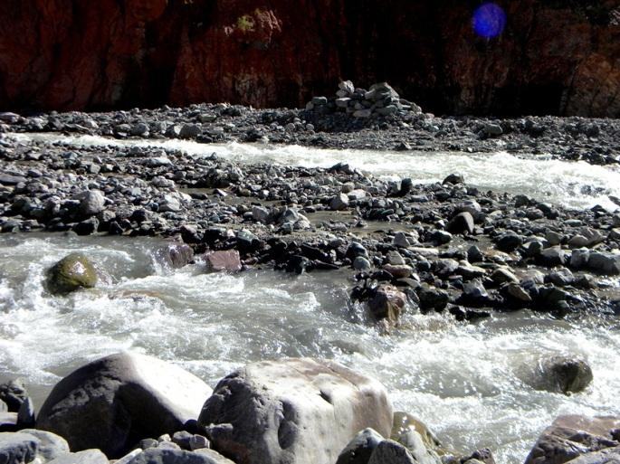 El río San Isidro, un afluente del río Iruya, en abril. Se lo puede apreciar en la excursión a San Isidro