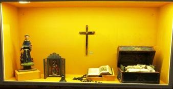Muestra de elementos religiosos