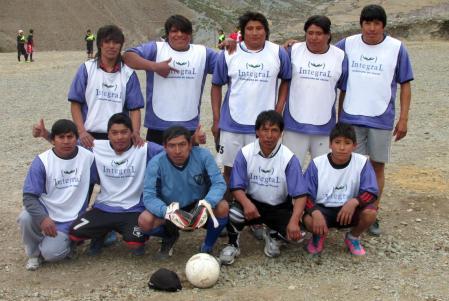 SAN JUAN, Iruya.- El equipo de San Juan. (Foto: Pablo Harvey).