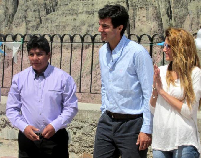 Alfredo Soto (intendente de Iruya), gobernador Juan Manuel Urtubey y su esposa Isabel Macedo