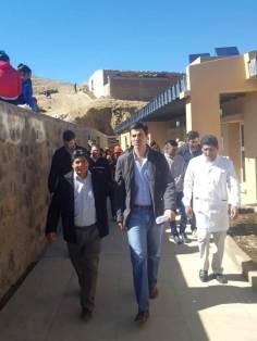ABRA DEL SAUCE, Iruya, Salta, 09/10/18.- Recorriendo la escuela, las autoridades.